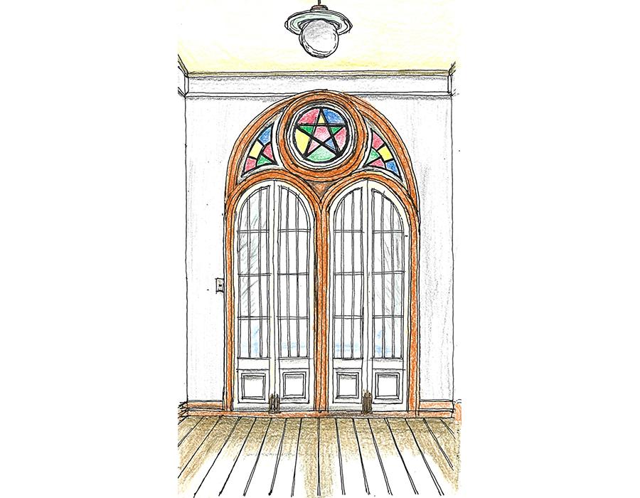 志村直愛 #02 山形市・旧済生館(さいせいかん)病院本館 ゴシック教会のトレサリーを再現した木製のアーチ窓と色ガラスの3階正面の開口部