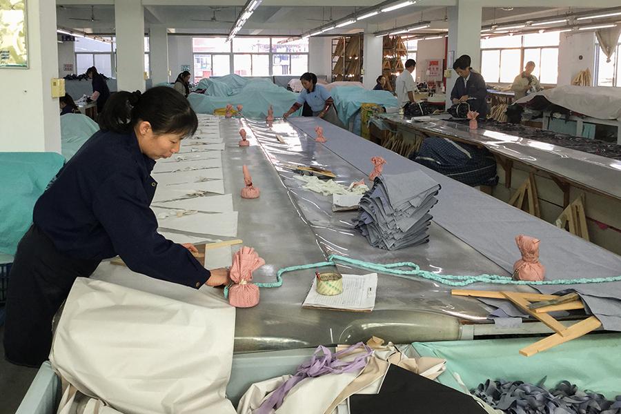 株式会社ビコーズ because 洋傘デザイナー 小川麻衣子さん 洋傘を生産する中国工場の様子