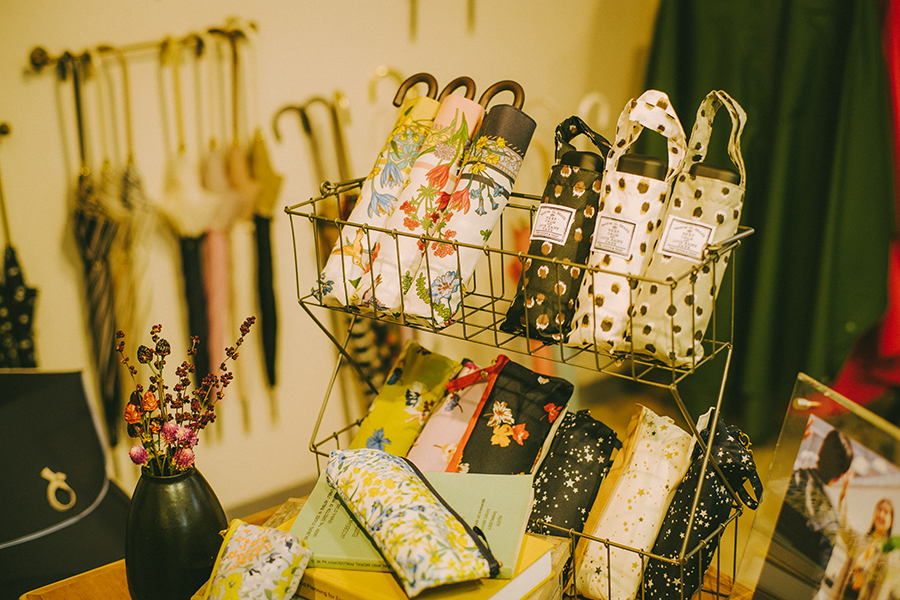 株式会社ビコーズ because 洋傘デザイナー 小川麻衣子さん ビコーズの折り畳み傘